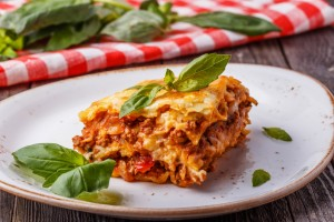 lasagna-me-authentiki-bolognese