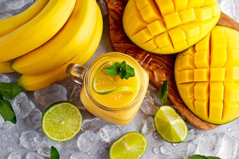 Smoothie με μπανάνα και μάνγκο