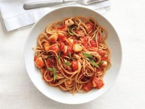 spaghetti-pikantiki-saltsa-marinara-xtenia