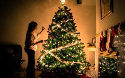 Χριστουγεννιάτικη διακόσμηση στο σπίτι με 9+1 ιδέες